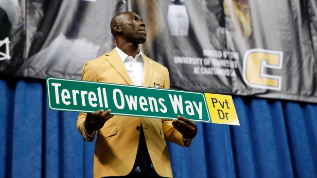 e2ce38cc6 Terrell Owens Enjoys His Personal Induction Far From Canton - NBC 10 ...