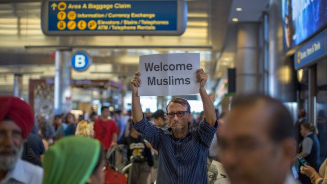 Justices Urged to Reject Trump Plea to Tighten Travel Ban