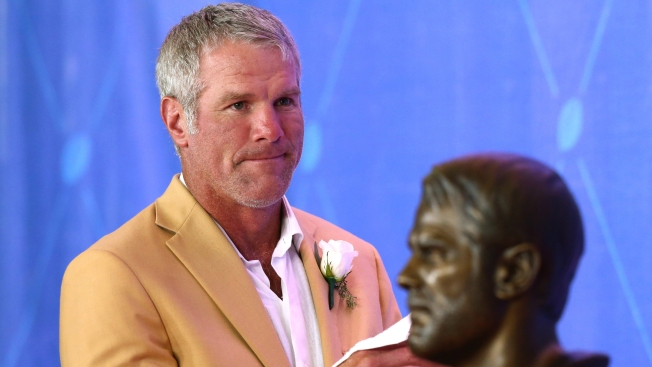 Favre 'honored' to Give Eagles Super Bowl Advice