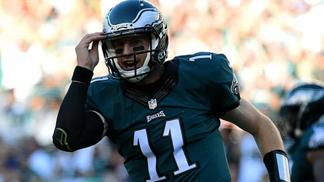 Carson Wentz Earns NFC Offensive Player of the Week Honors