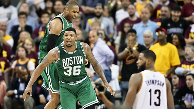 NBA Playoffs: Avery Bradley's Buzzer-beating 3 Lifts Celtics Past Cavaliers in Game 2