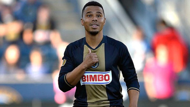 Union Re-sign Charlie Davies to 1-year Contract