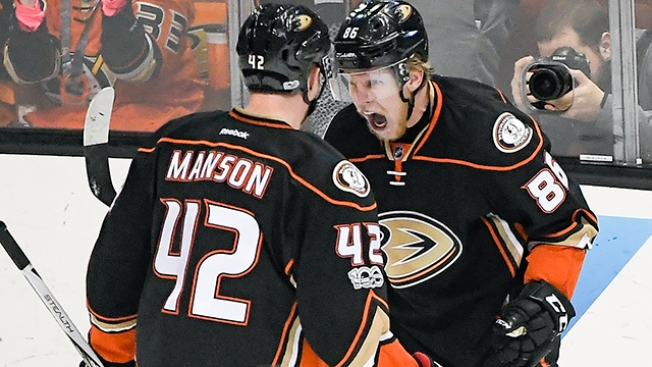 NHL Playoffs: Ducks Come Back to Beat Predators to Even West Finals