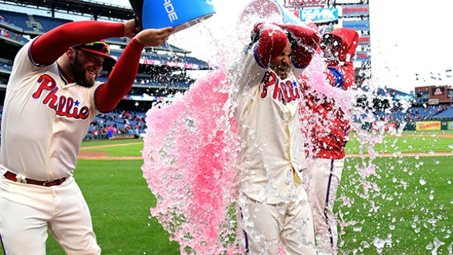 Aaron Altherr, Freddy Galvis' Late-inning Heroics Help Phillies Snap 5-game Losing Skid