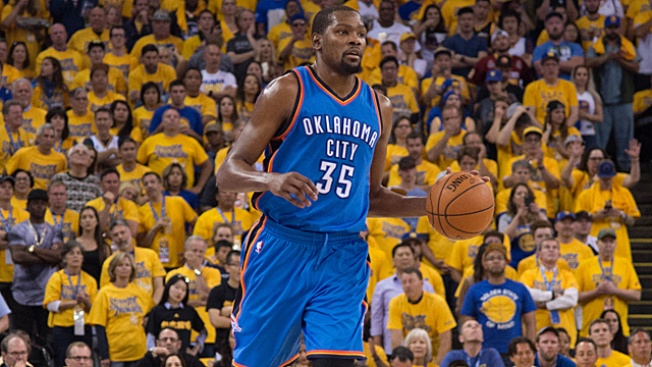 Kevin Durant Spurns Thunder to Sign With Warriors