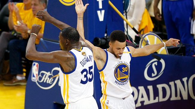 NBA Finals: Stephen Curry, Kevin Durant Lead Warriors to 2-0 Lead With Rout of Cavaliers