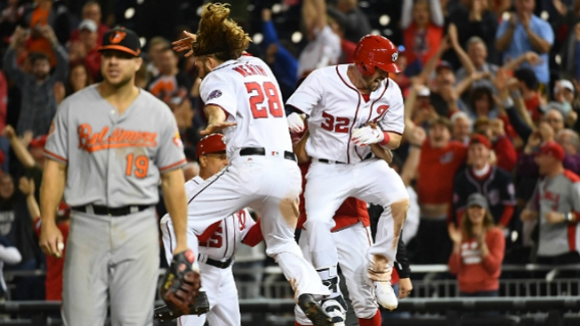 Best of MLB: Wieters' Walk-off Single Gives Nationals 7-6 Win Over Orioles