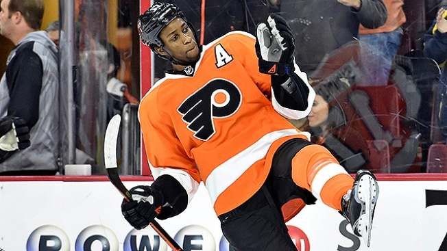 Wayne Simmonds Gets Engaged During Flyers' Bye Week
