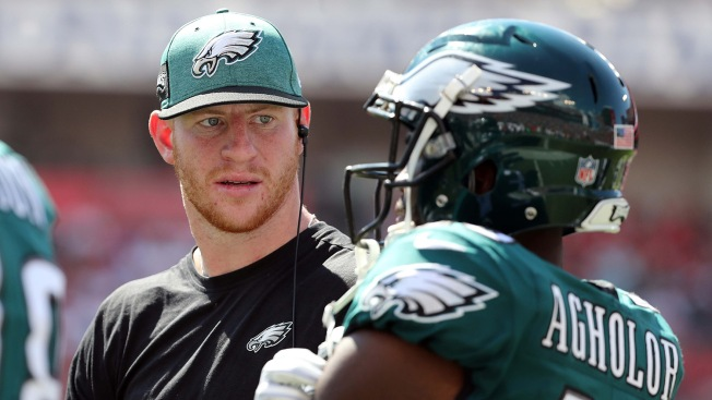 Carson Wentz Is Back To Making Those Cl Ic Carson Wentz Plays
