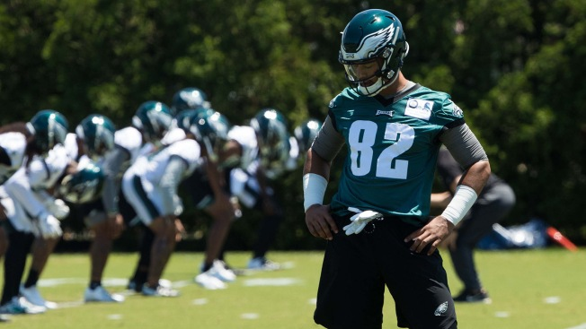 Eagles Activate Tight End Richard Rodgers, Place Josh Perkins on Injured Reserve