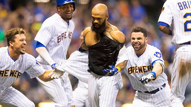 Best of MLB: Eric Thames Hits Walk-off HR to Give Brewers Win Over Padres