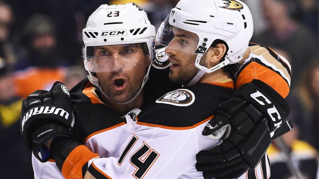 Ducks Put Halt to Bruins' Lengthy Points Streak
