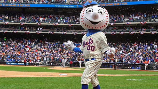 Employee Fired as Mr. Met After Flashing 'Middle' Finger at Fan