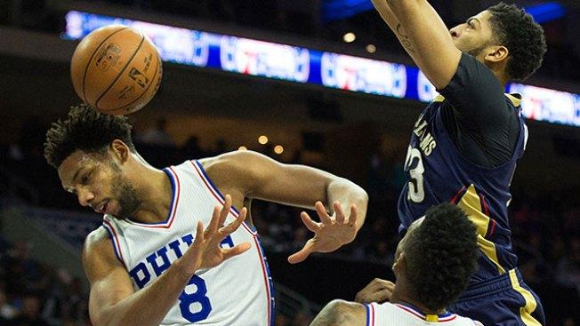Anthony Davis Manhandles Suddenly Skidding Pistons
