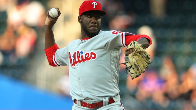 Offense Backs Enyel De Los Santos' Solid Debut in Phillies' Win Over Mets