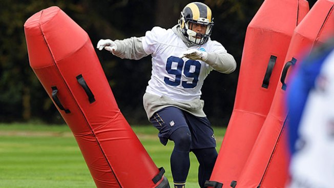 NFL Notes: Rams' All-Pro Aaron Donald Skips OTAs Amid Contract Talks