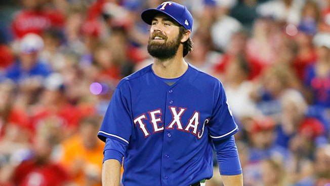 Cole Hamels Reminded of Great Phillies Run With Former Team in Town