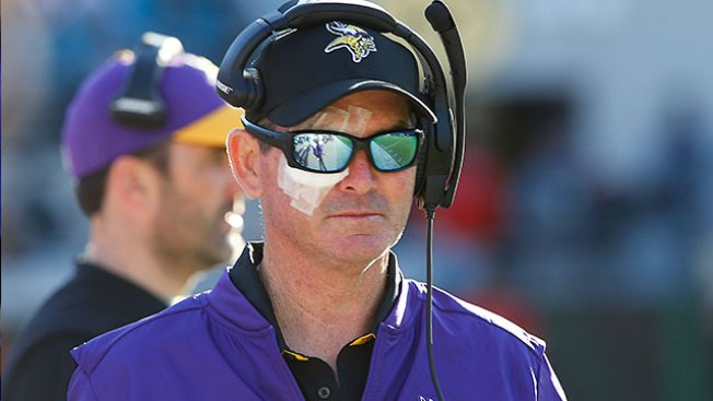 NFL Notes: Vikings' Mike Zimmer Says He'll Coach With 1 Eye If Necessary