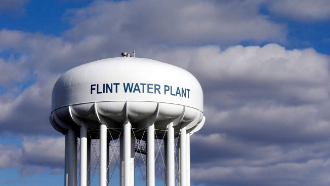 Flint mayor wants to keep Detroit water after lead crisis