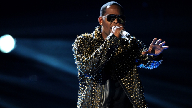 R. Kelly Addresses Relationship With Aaliyah, Allegations in Child Pornography Case