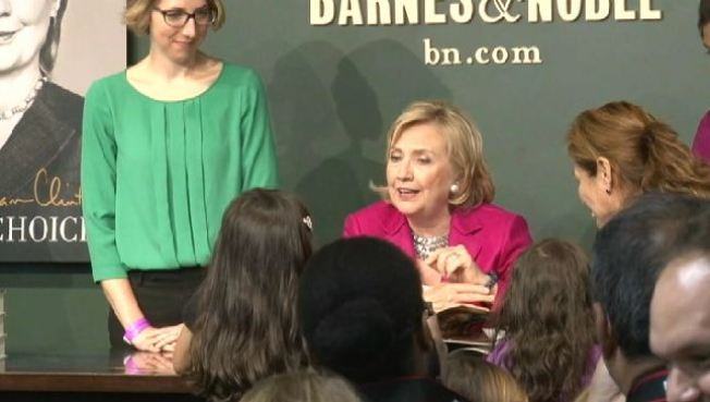 Ahead of Philly Book Signing, Hillary Clinton Draws Hundreds for Short Meeting