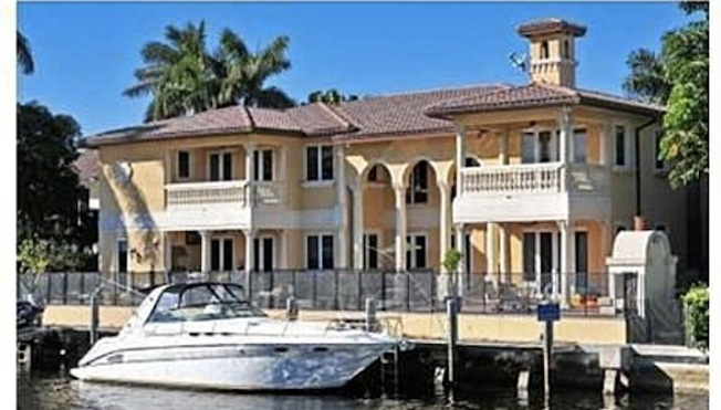 Squatter Finally Booted From This $2.5 Million Florida Mansion
