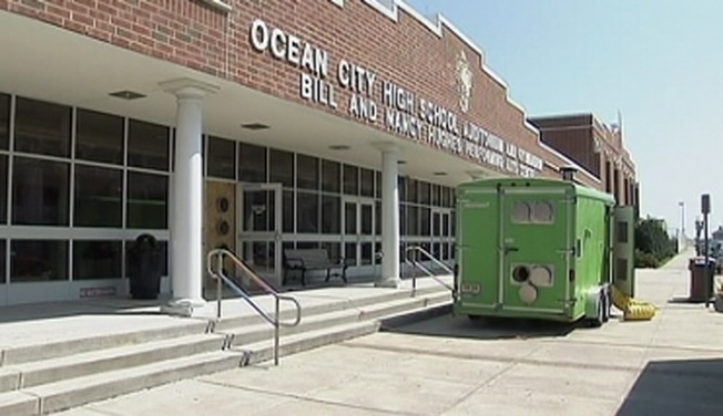 NJ Schools Reopen After Mold Crisis