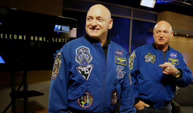 Year-in-Space Astronaut Scott Kelly, Twin Mark Kelly to Have School Named for Them in New Jersey Hometown