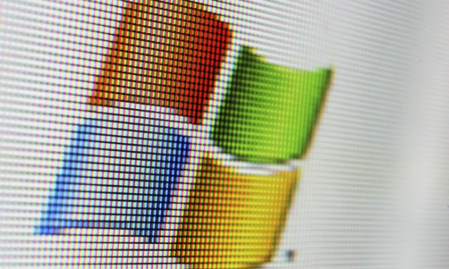 Microsoft Takes Aim at Gmail with New Outlook Email Service
