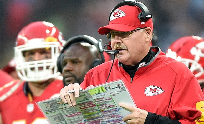 Youngster Has Epic Andy Reid Halloween Costume