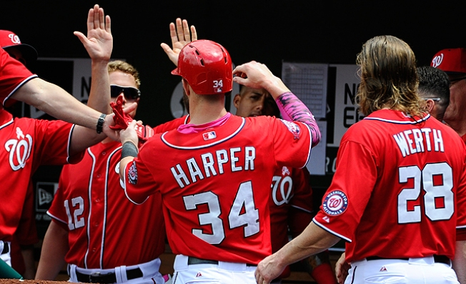 Nationals' Bryce Harper Leaves Game With Apparent Left Knee Injury