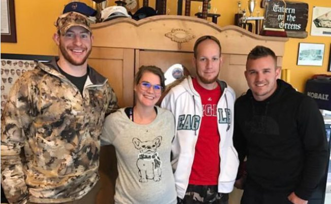 Carson Wentz buys shotguns for his offensive line