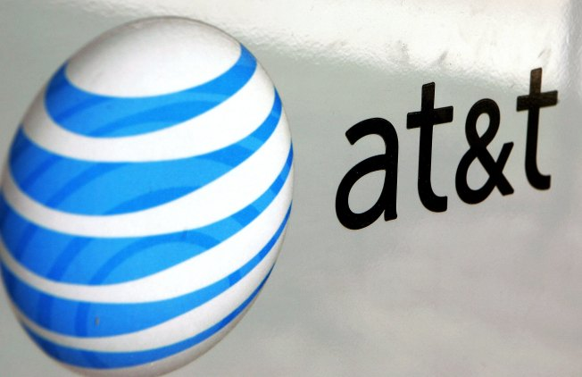 AT&T Acknowledges Cellular Service Outages Across the US