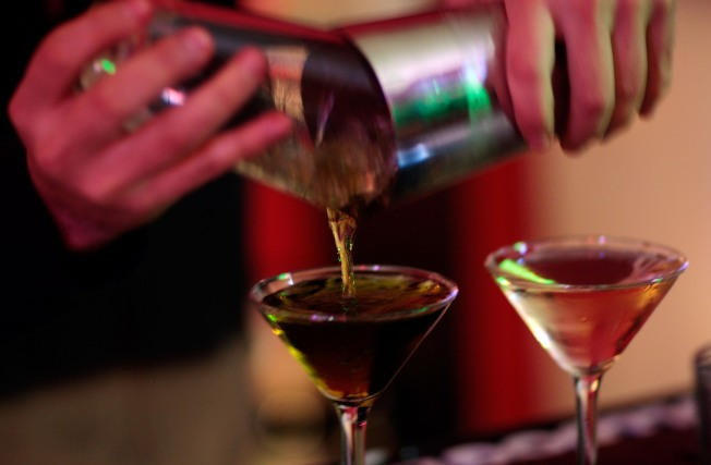 Sippin' in Style: Bar Offers $1000 Oscar Night Cocktails