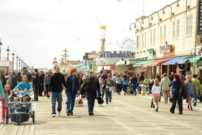 Ocean City May Make Boardwalk Musicians Get Permits