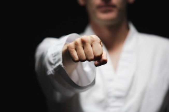 Instructor Uses Kung Fu to Fight Off Would-Be Robber
