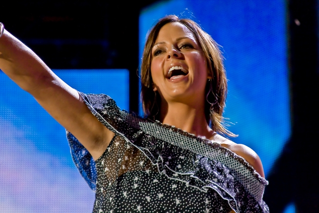 Sara Evans Files Restraining Order Against Her Ex
