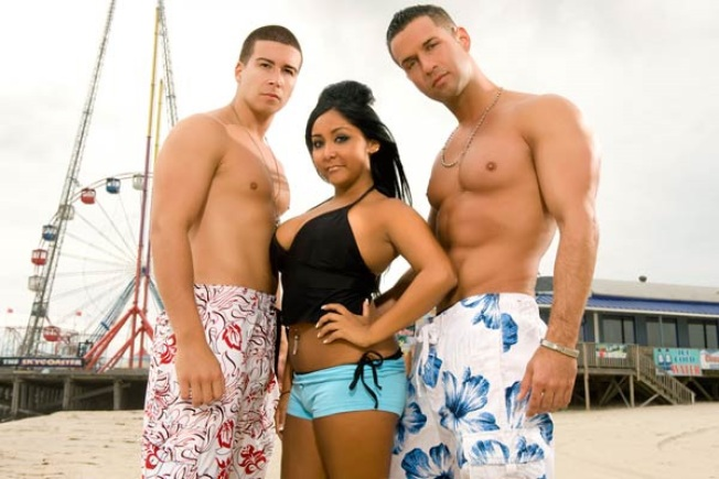 "Fist-Pumpers Unite in Honor of ""Jersey Shore"""