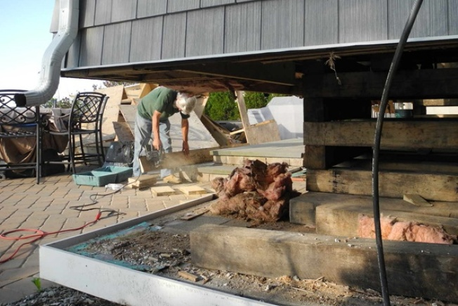 'House Jackers' Lift Shore Home Out of Harm's Way