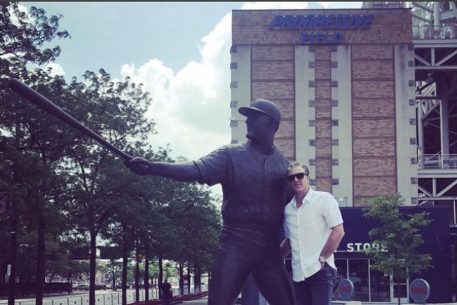 Chase Utley Poses With Statue of Childhood Hero Jim Thome in Cleveland