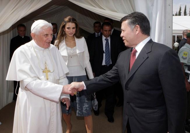 Pope Expresses Respect for Islam in Jordan