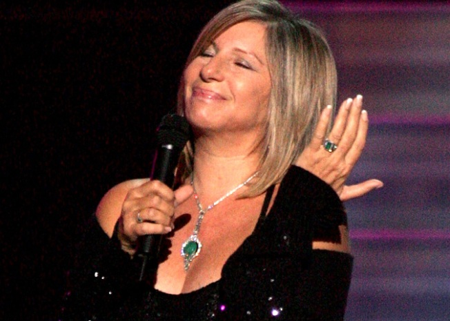 "Barbra Streisand Latest to Apologize to ""Glee"""