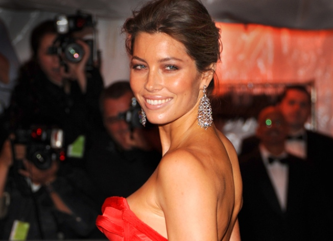 Jessica Biel Marks Major Musical Debut In 'Guys & Dolls'