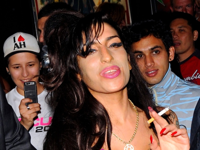 Amy Winehouse Cancels European Tour