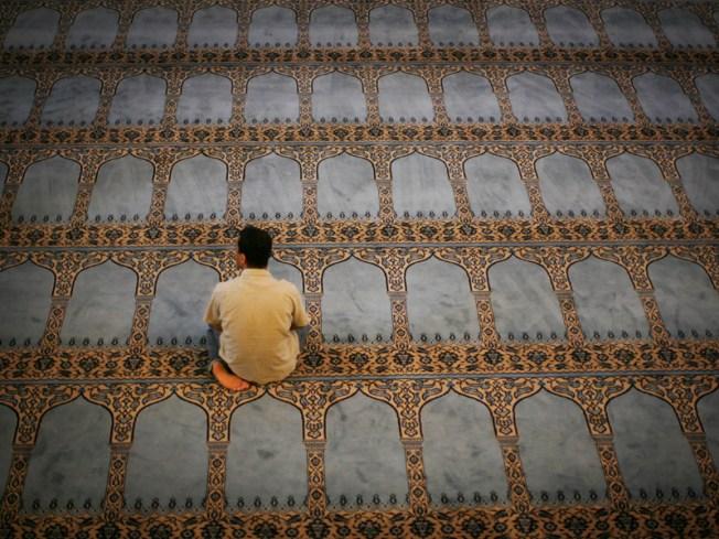 Canadian Mosque Creates 12-Step Terrorism Rehab