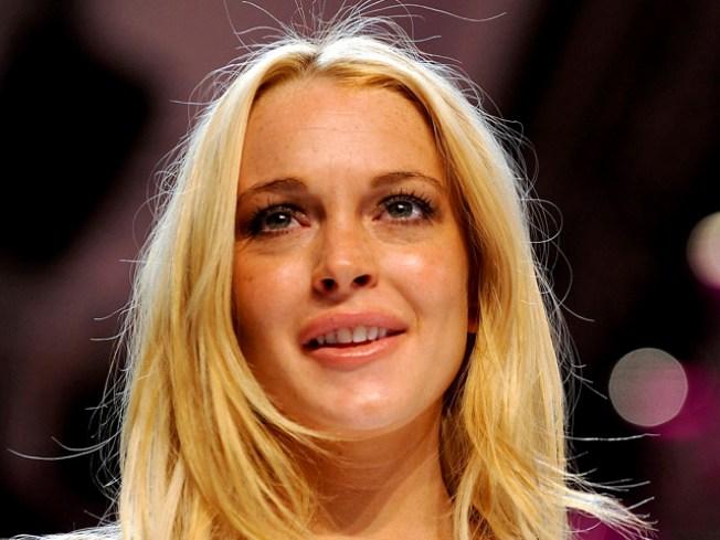 Critics: Lindsay Lohan Flubs Fashion Line Debut