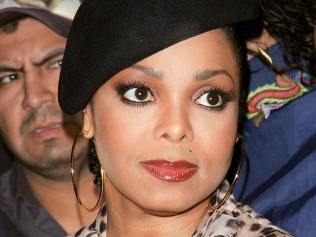 Janet Jackson Suffering From Migraines & Vertigo, Tour To Resume