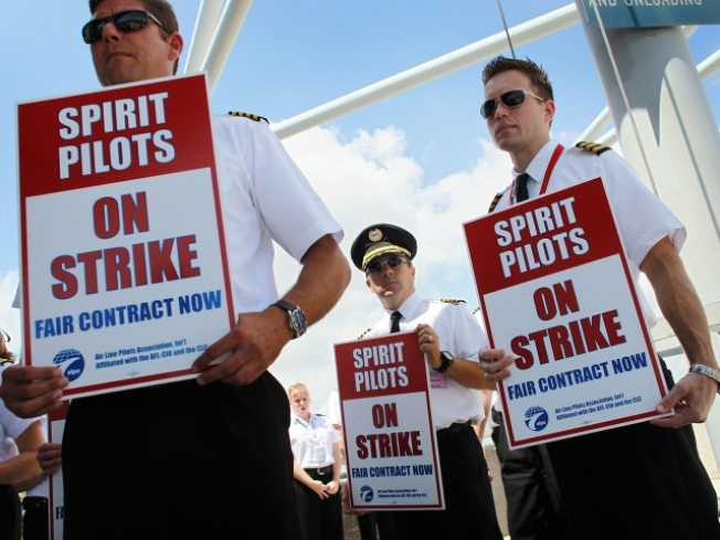 Spirit Airlines Cancels Flights Through Tuesday