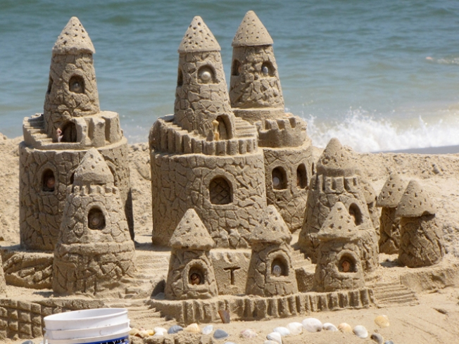 Build a Sand Castle, Win Big