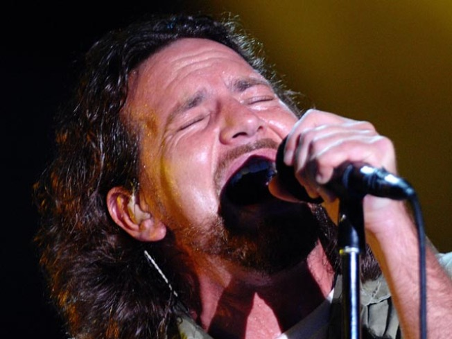 Grunge Reunion: Chris Cornell, Jerry Cantrell Join Pearl Jam